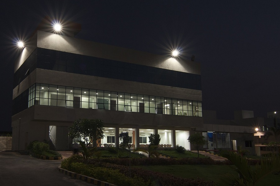 How to Make Your Business Safer With a Smart Lighting Solution