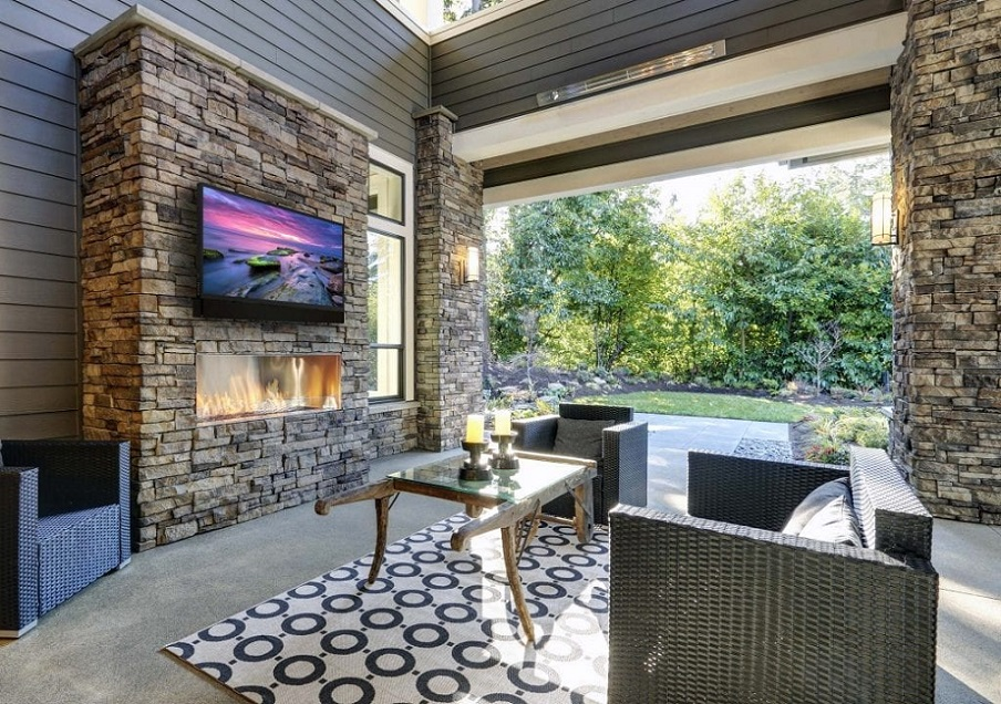 Séura Outdoor TVs: Designed with Your Backyard's Setup in Mind